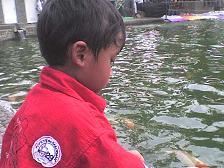 ~juno kasih makan ikan2~