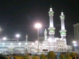 masjidil dimalam hari